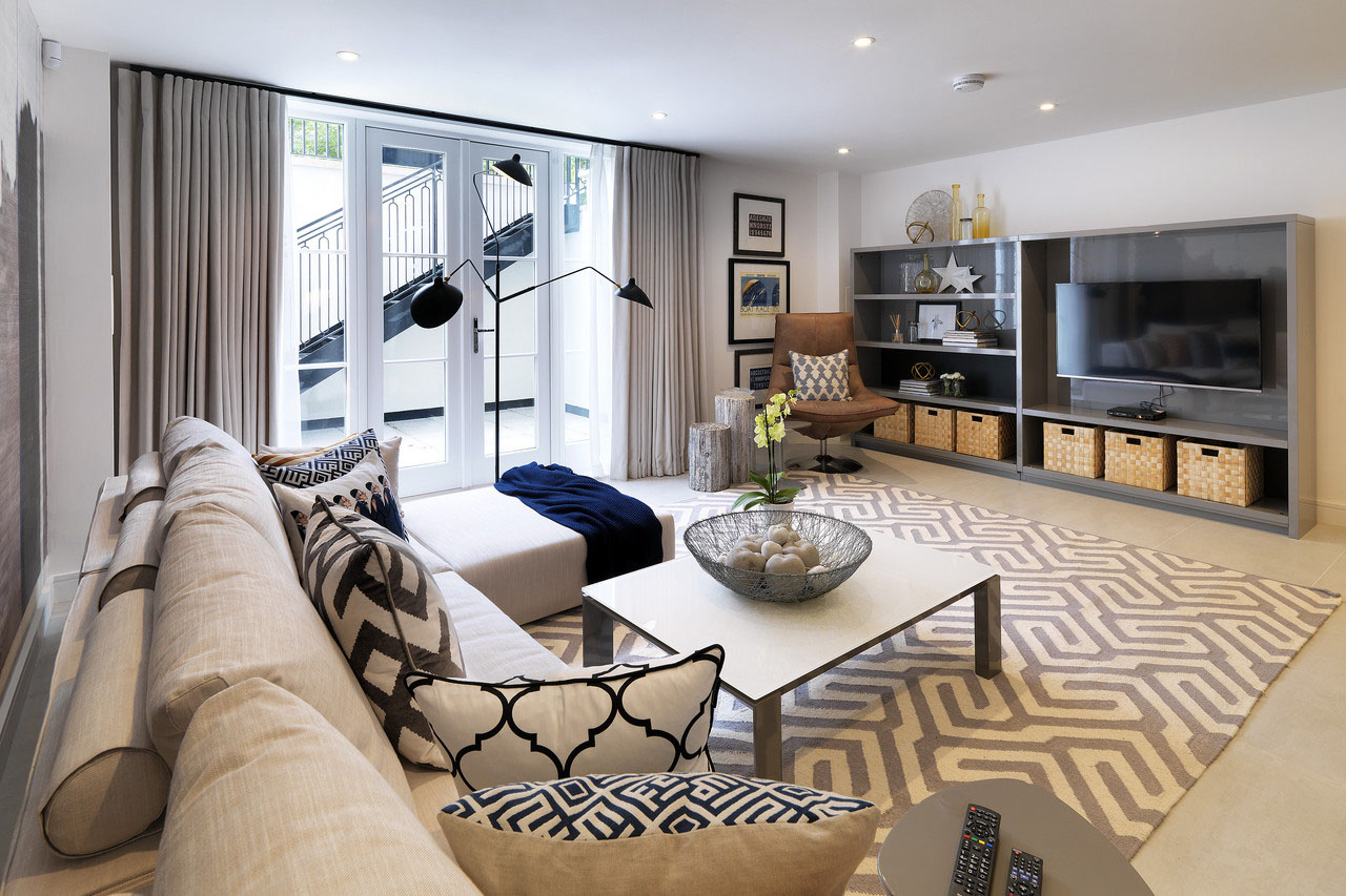 Newly Built Luxury Townhouse In London With Georgian