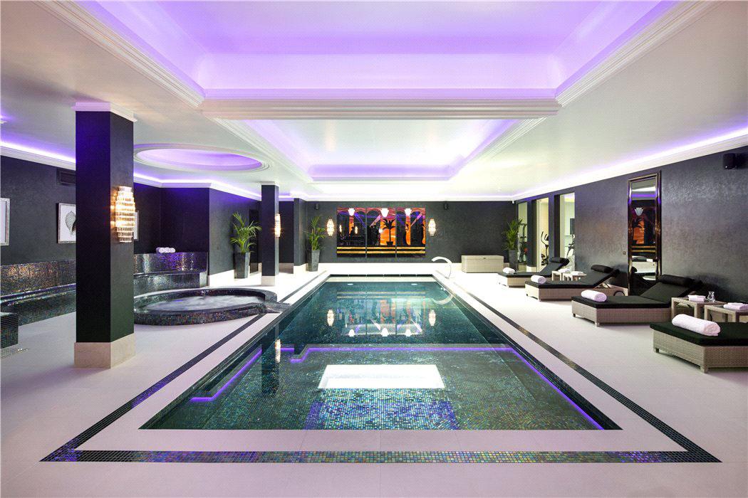 Elegant Contemporary English Mansion In Hampstead