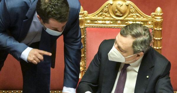 Green pass, verso l'obbligo per pubblico e privato: Salvini ancora KO