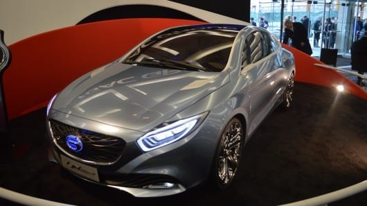 China's GAC shows stunning E-JET plug-in hybrid concept
