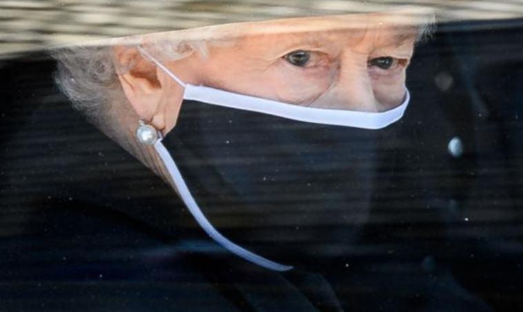Altro lutto per la Regina Elisabetta: è morto Sir Michael Oswald. Chi era il collaboratore e amico fidato