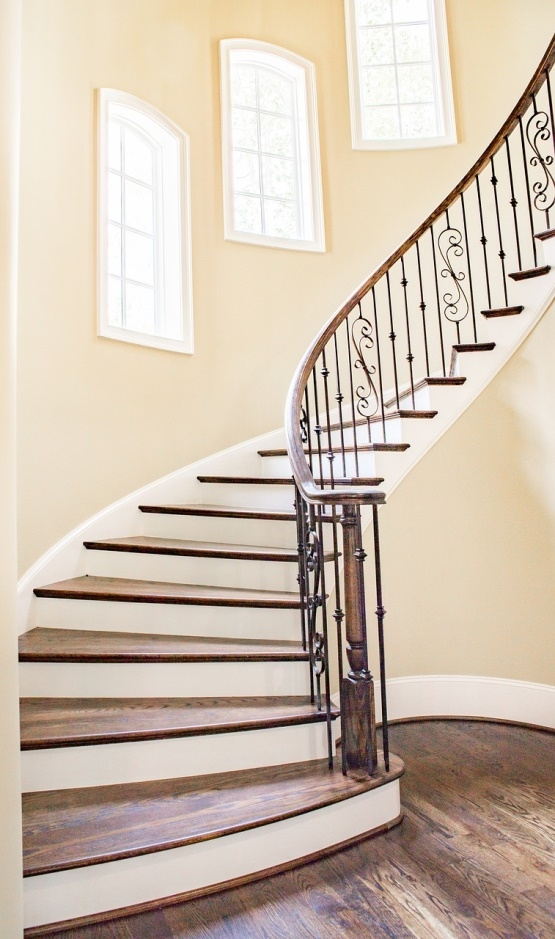 Choosing The Right Type Of Carpet For Stairs Interior Design Trends | Good Carpet For Stairs | Treads Windy Stair | American Style | Stair Railing | Beautiful | Runner