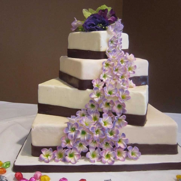 Wedding Cakes   The Invermere Bakery Invermere Bakery   Wedding Cake  Invermere