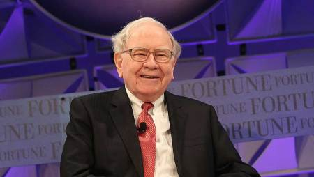 Warren Buffett Buys More Of His New Favorite Stock, Confirms Successor |  Investor's Business Daily