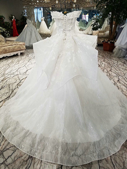 Off Shoulder Wedding Dress Haute Couture Ball Gown Lace Bridal Dress