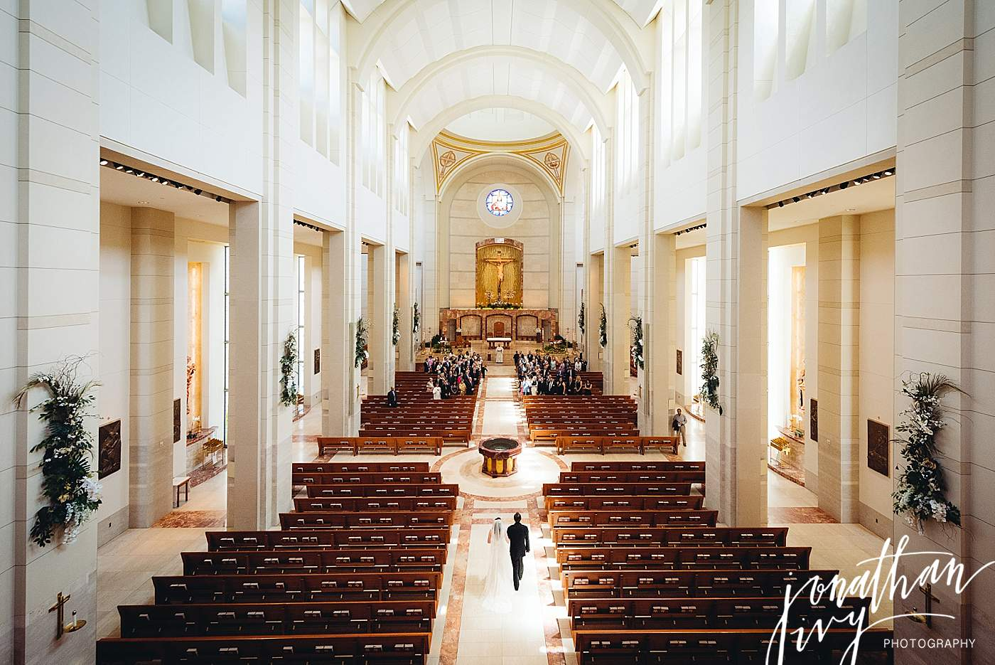 Wedding At Co Cathedral Of The Sacred Heart In Houston Hughes Wedding Jonathan Ivy