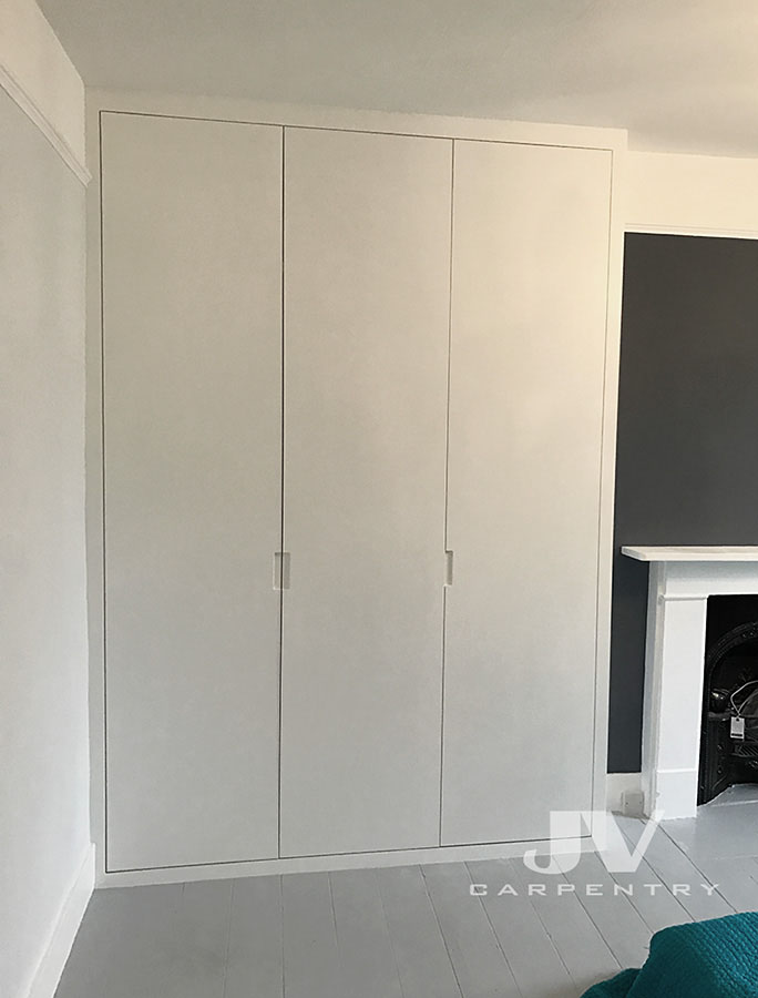 Alcove Cabinets Fitted Wardrobes And Bookshelves Jv