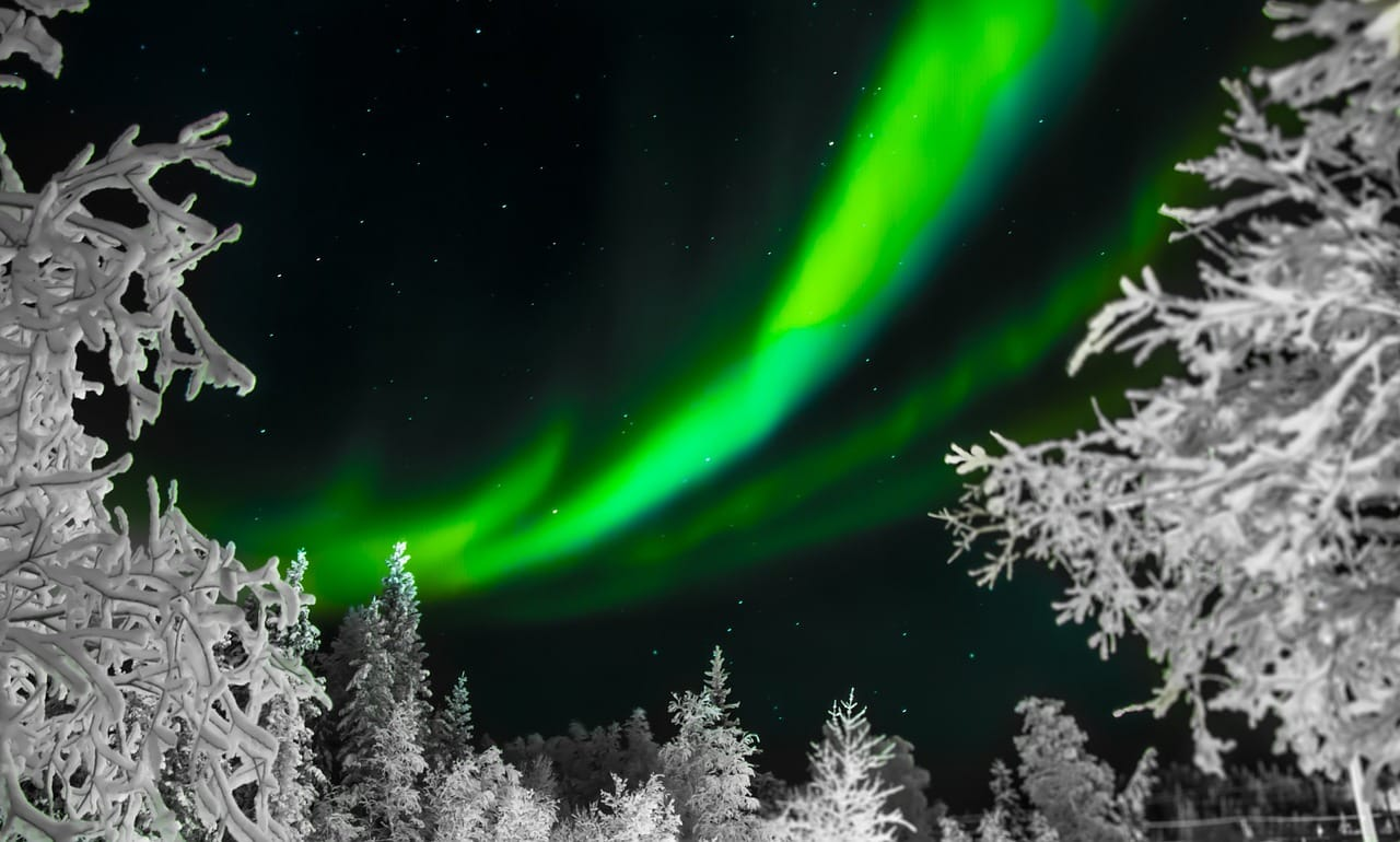 Best Time Year See Northern Lights Iceland