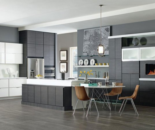 Laminate Cabinets in Contemporary Kitchen Design   Kemper     Contemporary kitchen with laminate cabinets in Obsidian and High Gloss  White