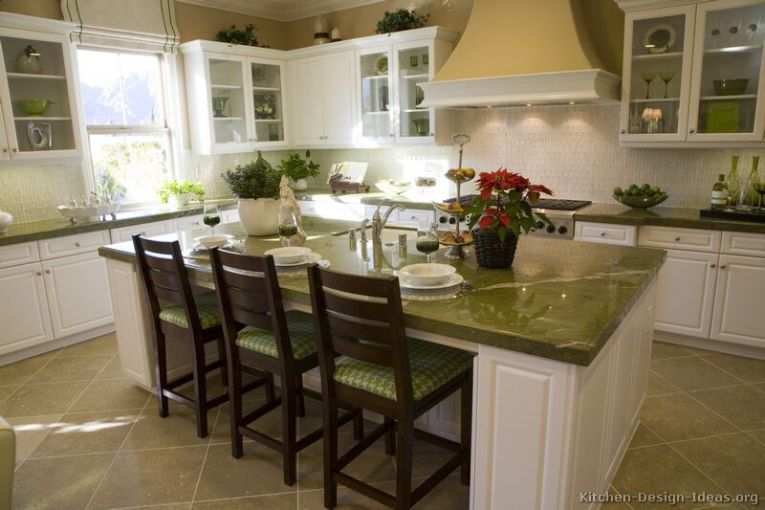 Pictures of Kitchens   Traditional   White Kitchen Cabinets  Kitchen     Traditional White Kitchen