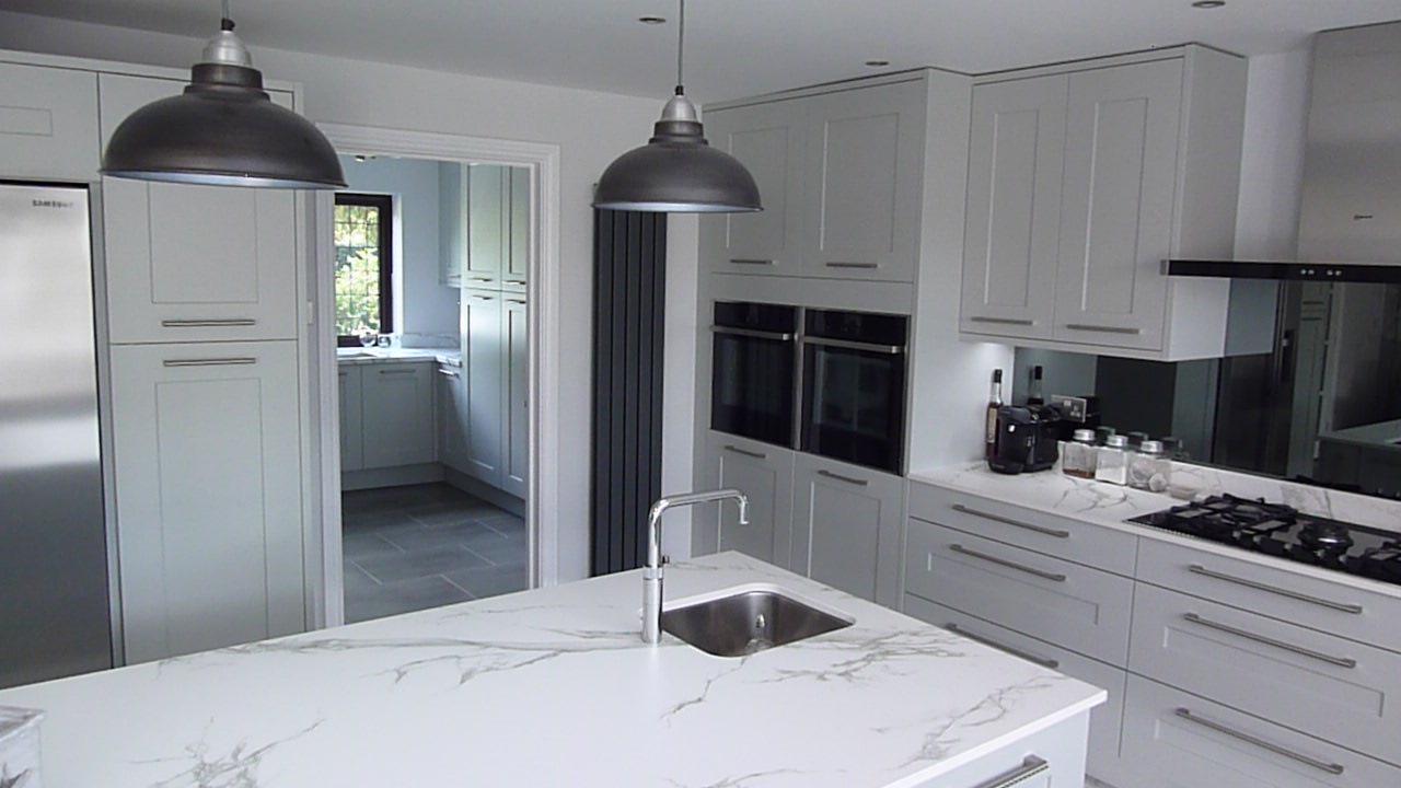 Contemporary Kitchen Units Uk