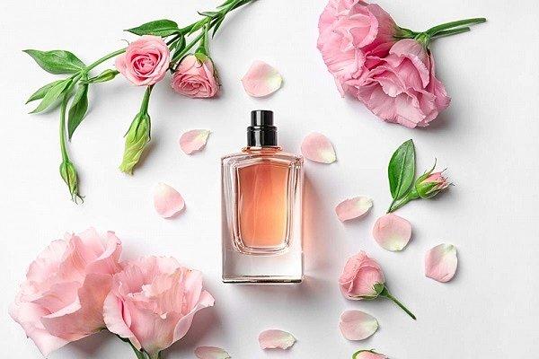 Comment distinguer le parfum original de faux