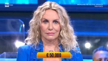 """Antonella Clerici, va male l'ospitata a Soliti Ignoti: """"Confusa dalla statura"""""""