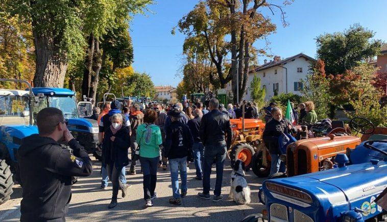 Domenica il raduno dei trattori a Brentonico