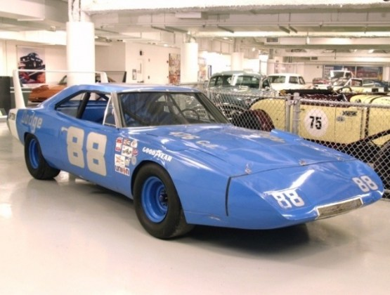 Part 2  Buddy Baker 200  mph Dodge Daytona   Information on     This is the Buddy Baker car as it was displayed at the Museum at Talladega