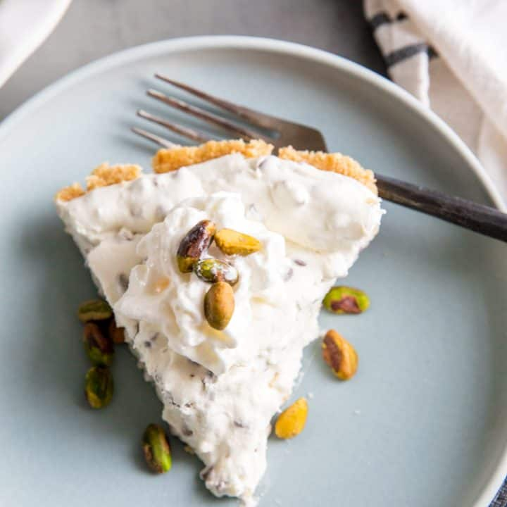 cannoli cheesecake with pistachios