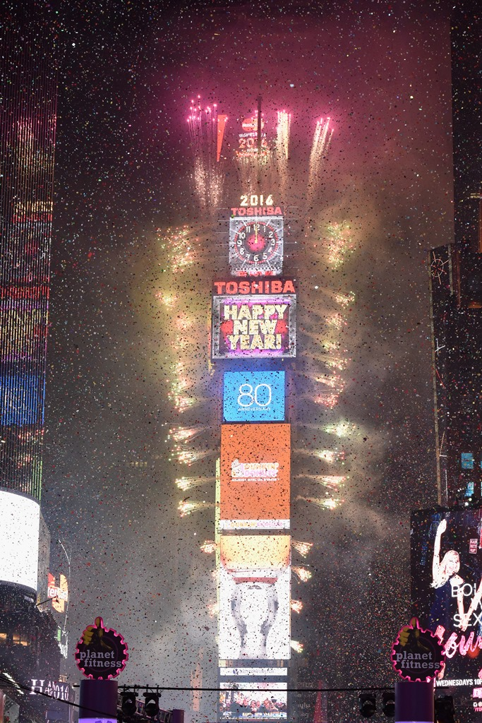 TOSHIBA VISION Times Square   New York Times Square New Year s     TOSHIBA 2016 New Year s Eve in TIMES SQUARE credit   Getty Images