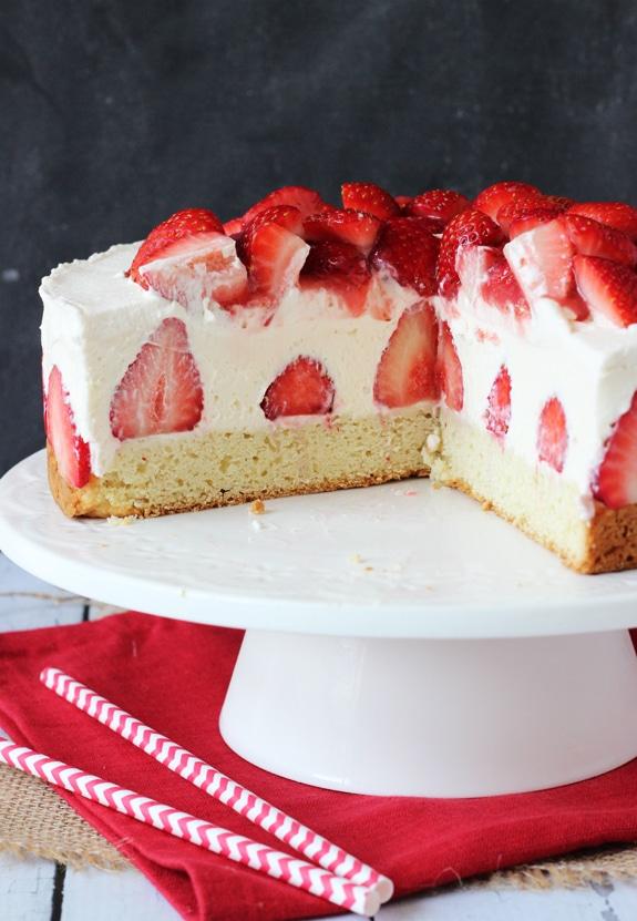 Traditional Strawberry Shortcake Cake Recipe