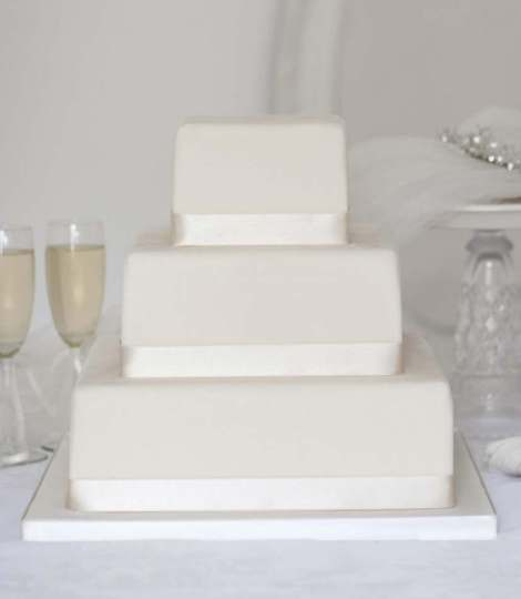 Wedding cakes to buy online   Edinburgh  Glasgow  Across Scotland Square Wedding Cake