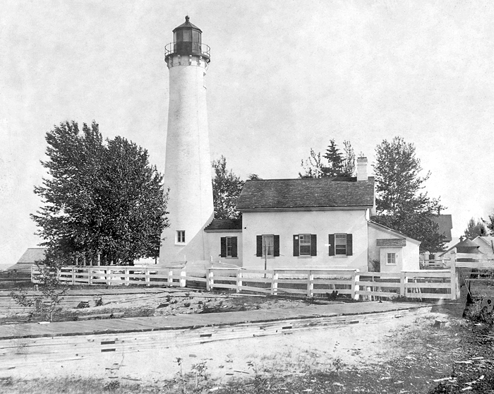 Sturgeon Point Lighthouse Michigan At Lighthousefriends Com
