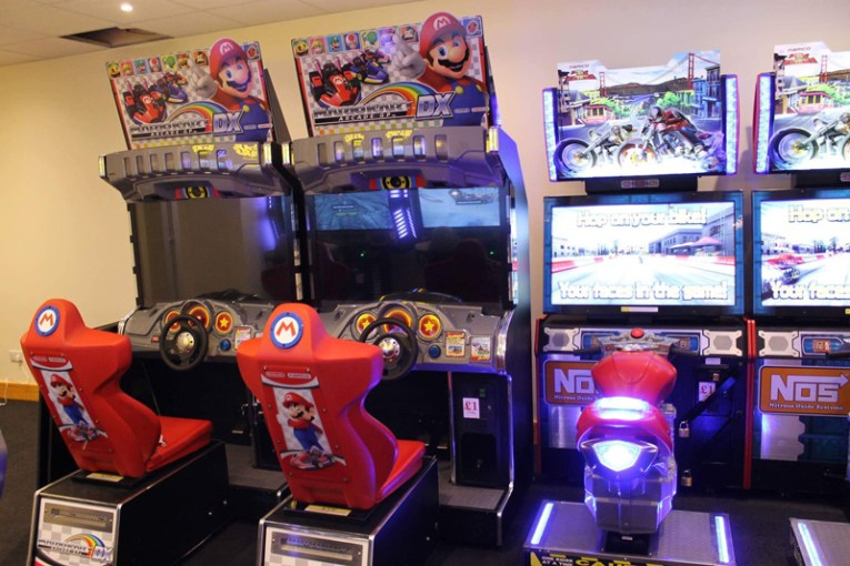 Games Arcade     Lincoln Bowl The new arcade machines  now open to the public  include adventures such as  a Jurassic Park two player shooter  4D zombi games and Mario Kart among  others