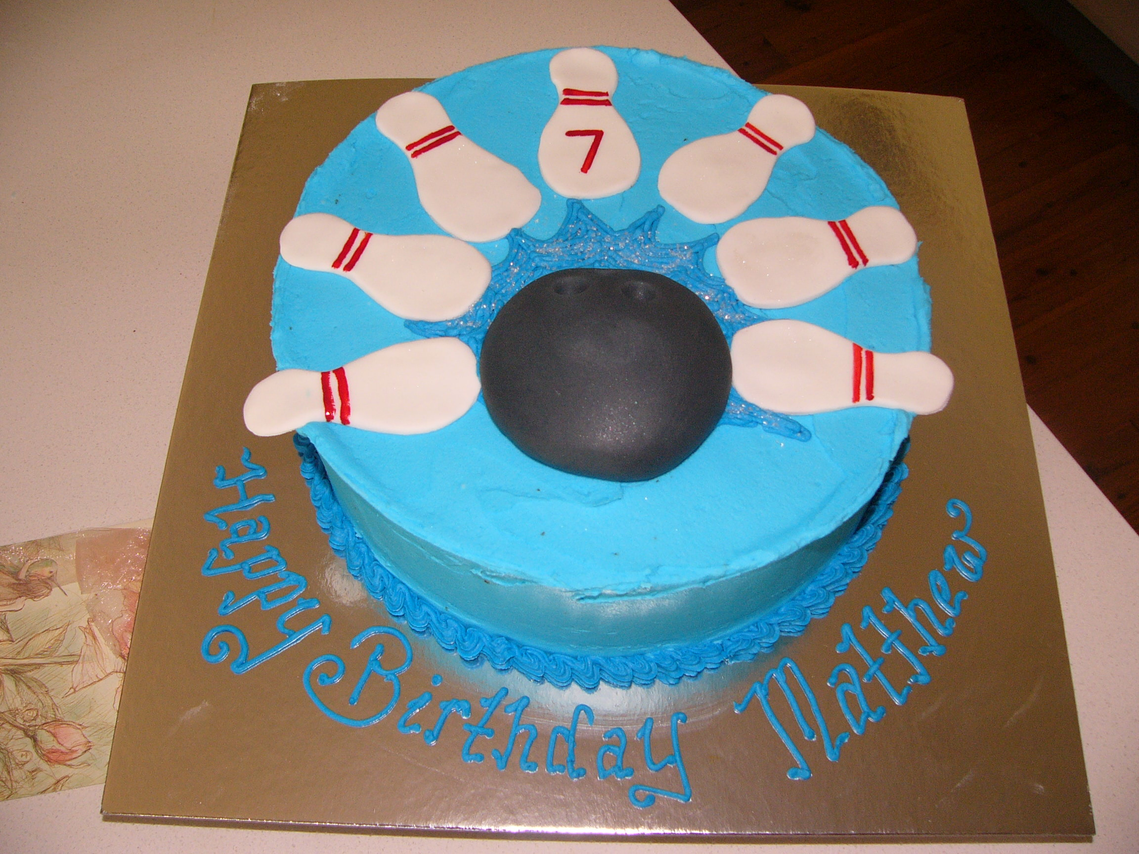 Bowling Ball Shaped Cupcake Cakes