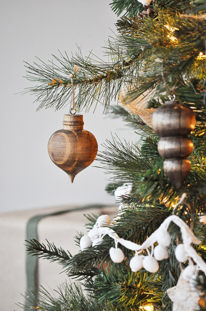 Beautiful Christmas Decorated Living Rooms
