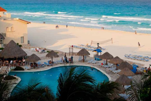 puerto vallarta vs playa del carmen Best Selection of Accommodations is Playa Del Carmen