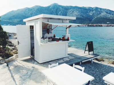 Stunning beach bar in Croatia goes viral