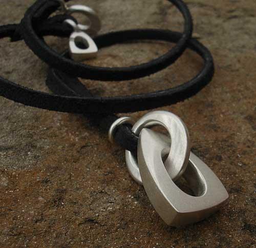 designer pendant necklace # 33
