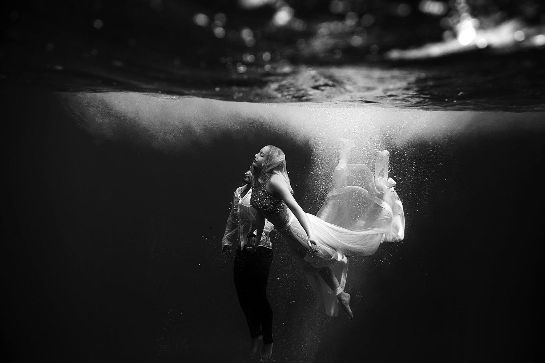 Maui Underwater Photographers Couples Portraits Love