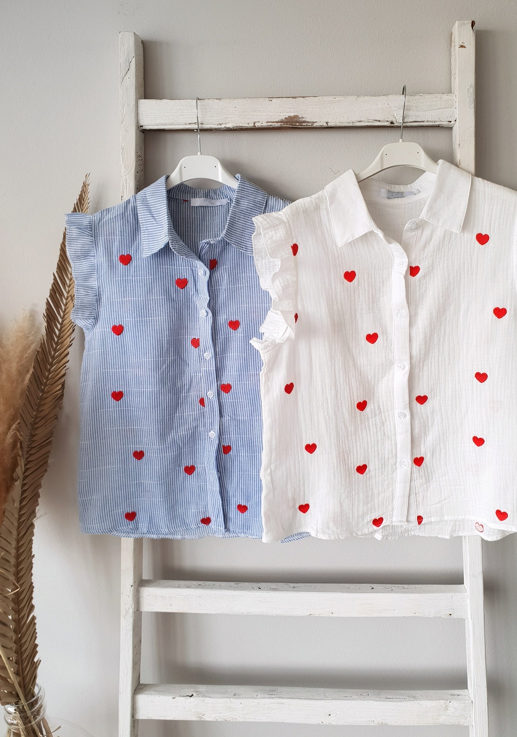 weiche Musselinbluse Kurzarm LOVE IS IN THE AIR – weiss/rot