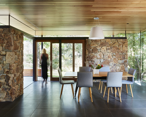Modernist 1970s Home Addresses Its Shortcomings For 21st