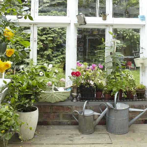 Vintage Furniture And Garden Decor 12 Charming Backyard Ideas