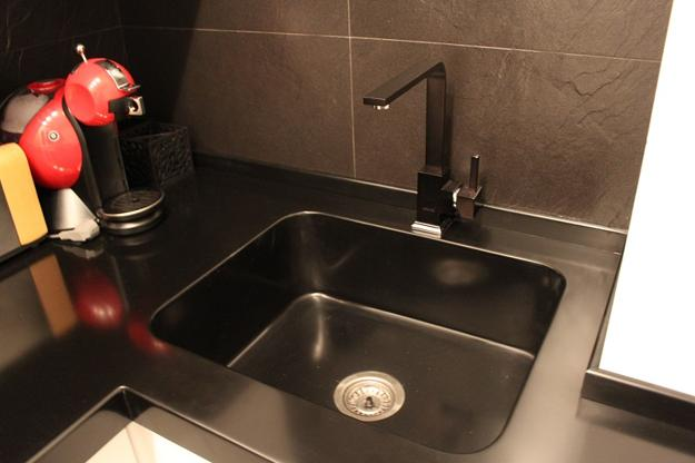 Black Kitchen Sinks Countertops And Faucets 25 Ideas