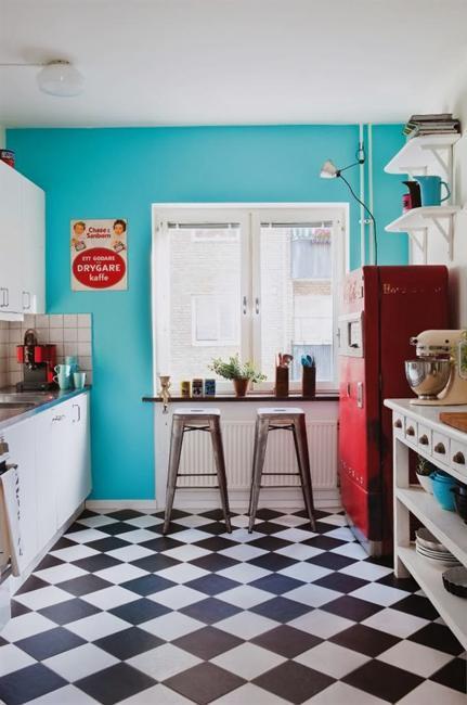 Contemporary Kitchen Table Centerpieces