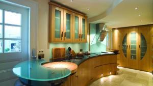 Modern Glass Kitchen Countertop Ideas, Latest Trends In