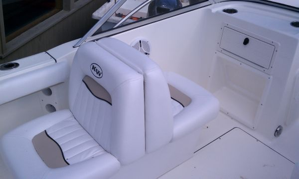 Key West Dual 2006 Console Boat 2020