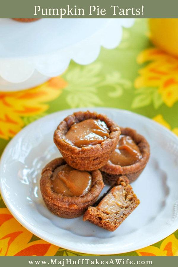 Pumpkin pie tarts are an adorable fall dessert! Features mini gingerbread crusts and a homemade pumpkin spice custard that is divine! via @mrsmajorhoff