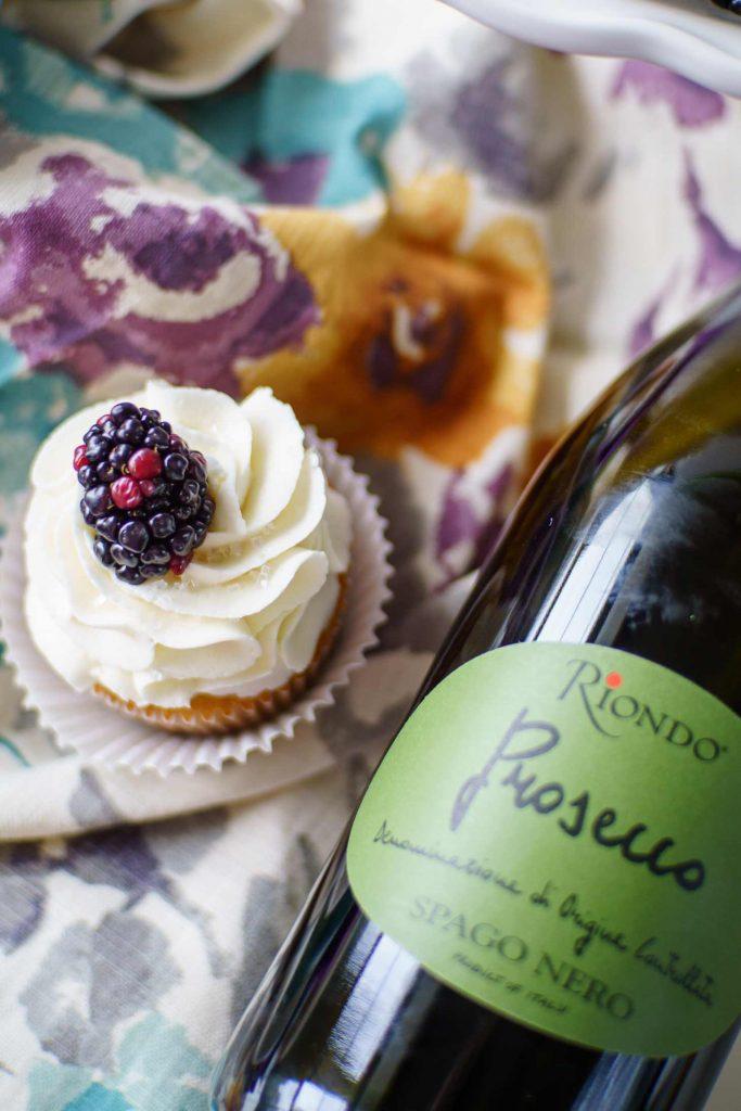 champagne cupcakes made with prosecco feature a vanilla prosecco cupcake