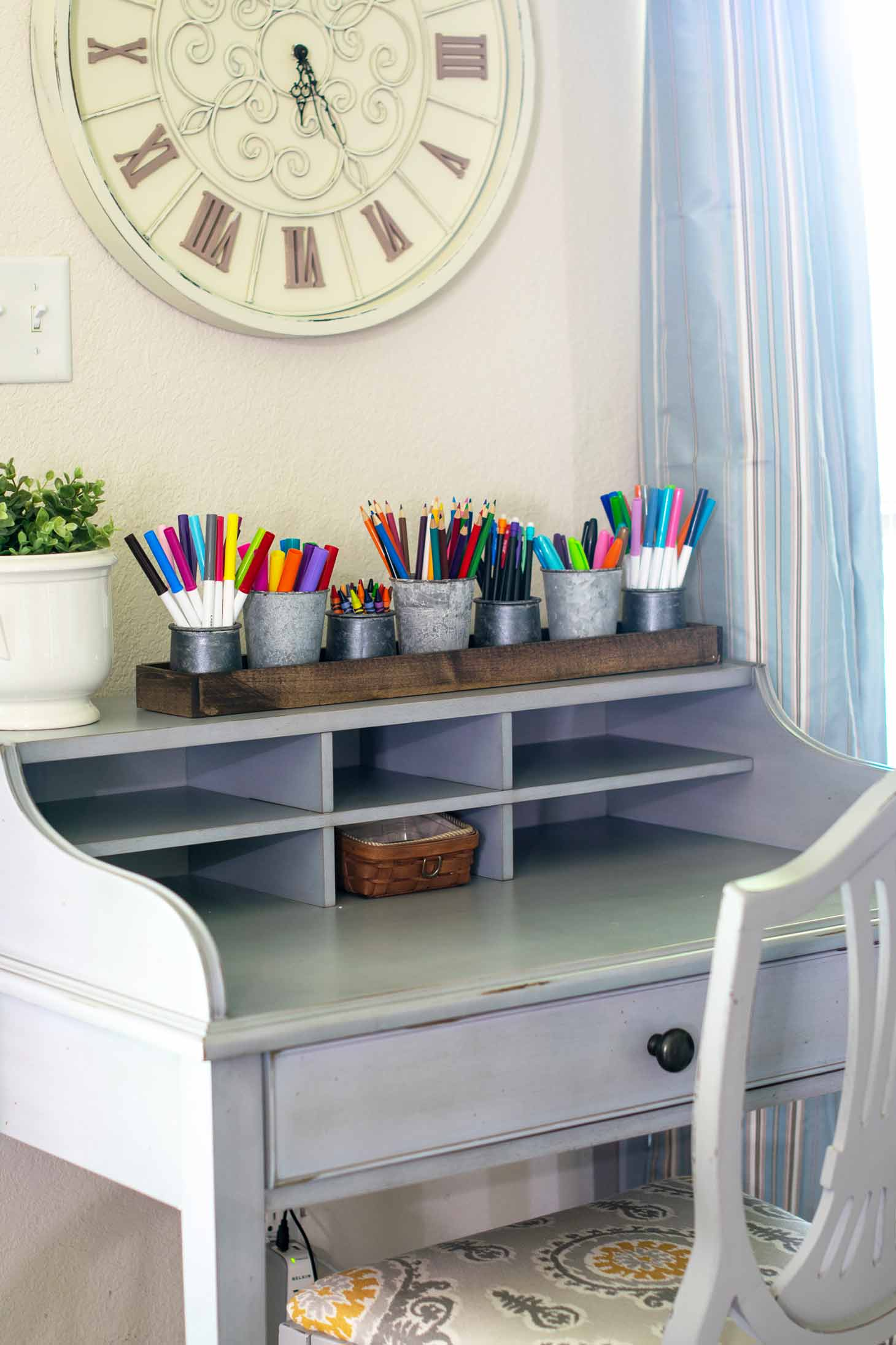 build a tray to hold art supplies