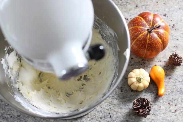 Pumpkin Spice Cream Cheese Icing
