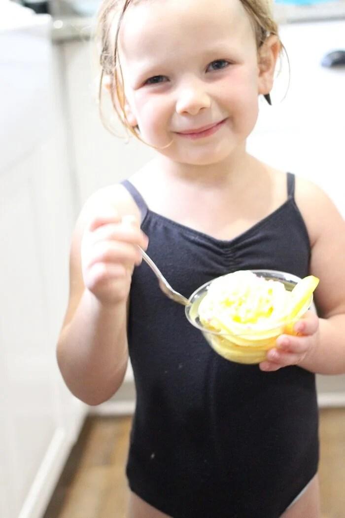 EATING LEMON MOUSSE
