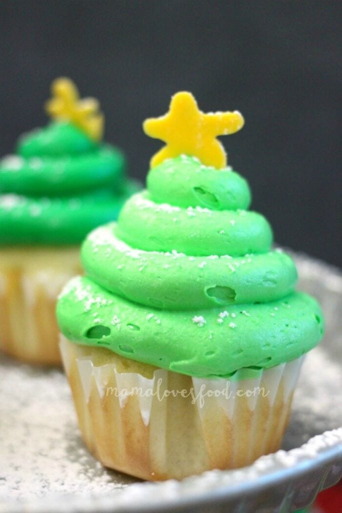 HOW TO MAKE CHRISTMAS TREE CUP CAKES