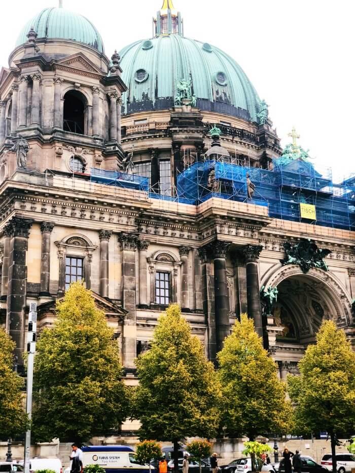 BUILDING RENOVATIONS IN BERLIN