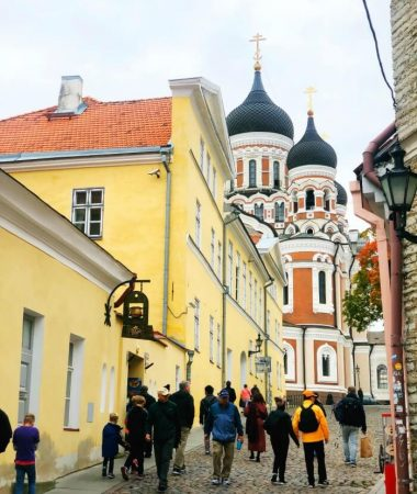 COLORFUL BUILDINGS AND RUSSIAN INSPIRED ARCHITECTURE TALLINN