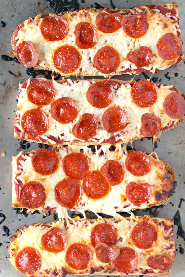 EASY FRENCH BREAD PIZZA 1