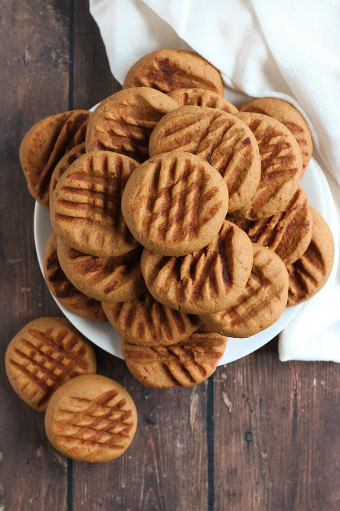 CHOCOLATE SHORTBREAD COOKIES WITH COCOA