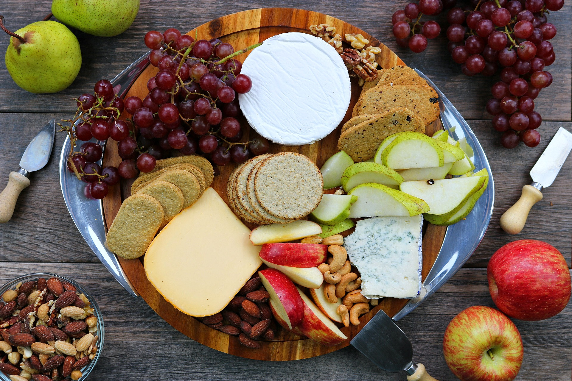 5 Steps To The Perfect Fruit And Cheese Platter