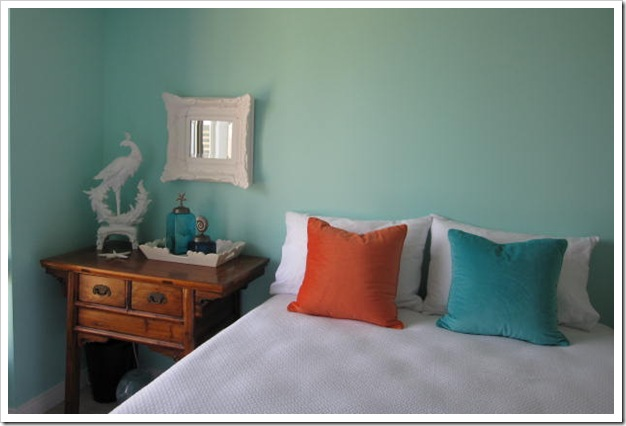 A Sherwin Williams Turquoise Guest Room